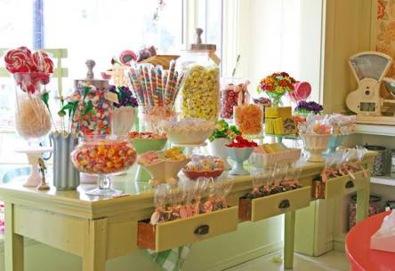 Table Dessert in Candy Design